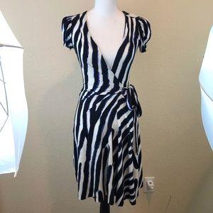 Diane VonFurstenberg Wrap Dress Sz 2 Stripes Work